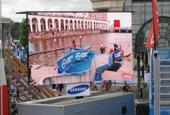 Screen water triathlon
