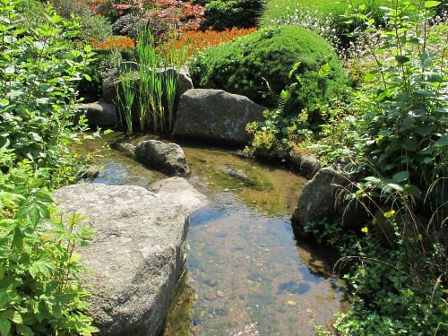 Water in the Japanese landscape garden
