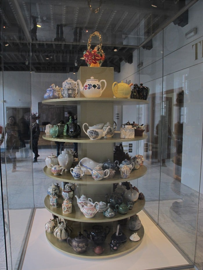 Teapot tower in the main hall of the museum