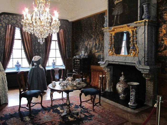 Dinner room of the 18th century princess Maria Louise van  Hessen-Kassel that gave the museum its name. Set for tea.