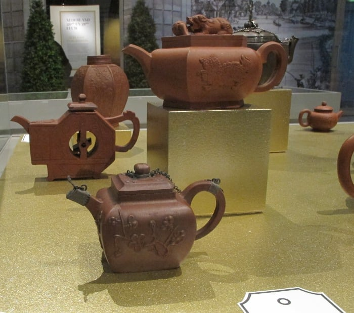 Red stone teapots (Germany)