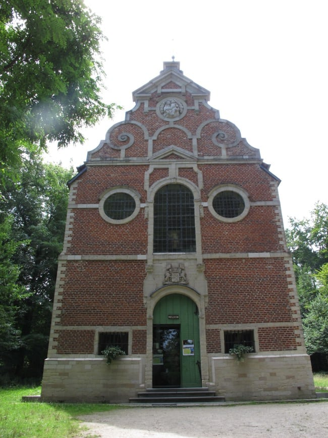 """Onze-lieve-Vrouw van Steenbergen""-chapel build in 1651 to add some religion to the healing powers of the Minnebron-water."